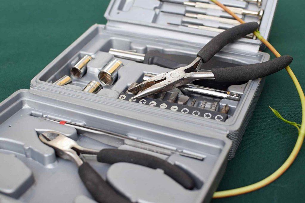 handy man tools for furnace repair